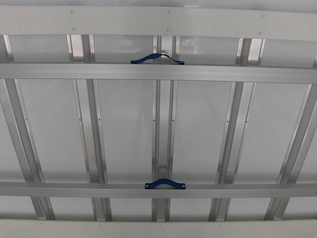 4tワイド冷蔵冷凍車低温ジョロダー4列サイドドアベッド付(12枚目)