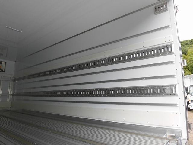 4tワイド冷蔵冷凍車低温ジョロダー4列サイドドアベッド付(16枚目)