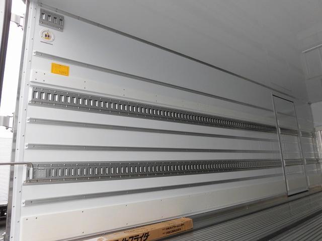 4tワイド 冷蔵冷凍車低温ジョロダー4列 サイドドアベッド付(6枚目)