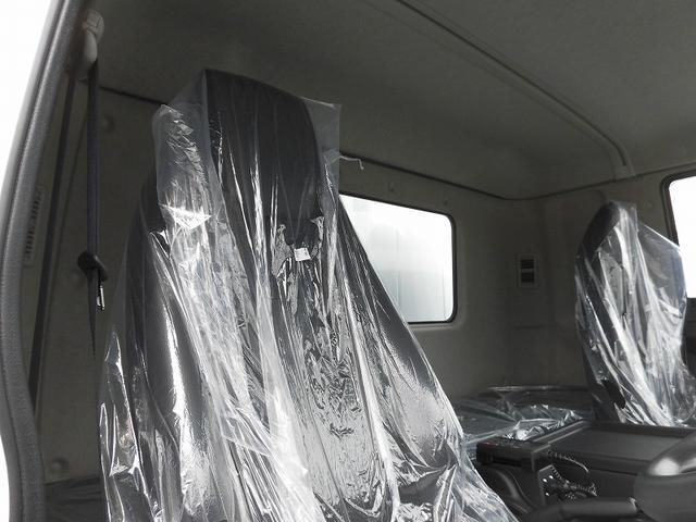 4tワイド 冷蔵冷凍車低温ジョロダー4列 サイドドアベッド付(12枚目)