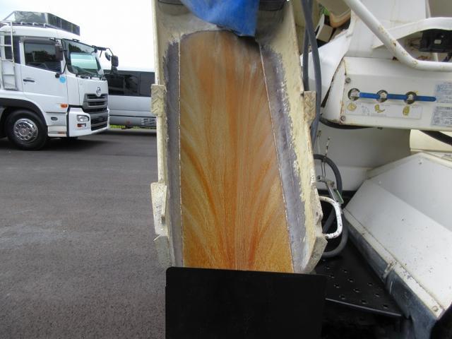 ベースグレード 10t ミキサー車 最大混合容量4.4立米 ドラム容量8.7立米(8枚目)