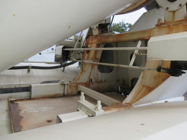 ベースグレード 10t ミキサー車 最大混合容量4.4立米 ドラム容量8.7立米(11枚目)