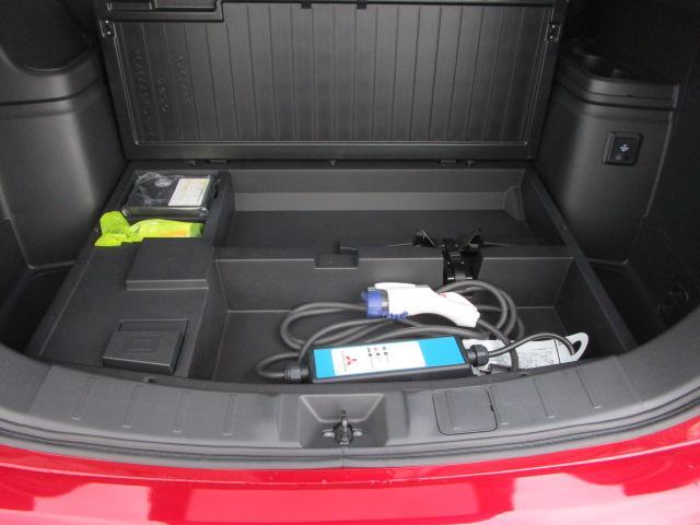 Gプラスパッケージ 2.4 4WD サポカーS 電気温水ヒーター AC1500Wコンセント 車両検知警報 サンルーフ 三菱POWERサウンド 禁煙車 サイド&カーテンエアバック レーダークルーズコントロール 衝突被害軽減(41枚目)