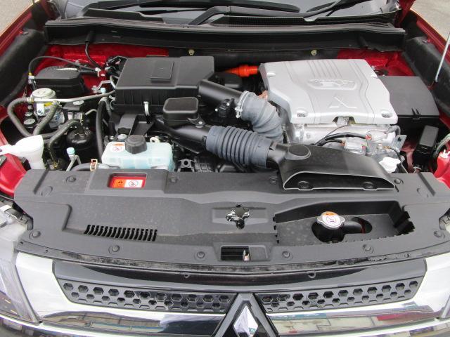 Gプラスパッケージ 2.4 4WD サポカーS 電気温水ヒーター AC1500Wコンセント 車両検知警報 サンルーフ 三菱POWERサウンド 禁煙車 サイド&カーテンエアバック レーダークルーズコントロール 衝突被害軽減(50枚目)