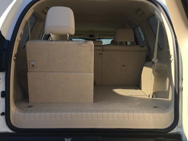 【電動格納サードシート】シート状態、内装状態共に良好です。