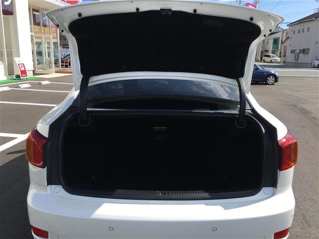 レクサス IS 250 Red-edge Black Interior