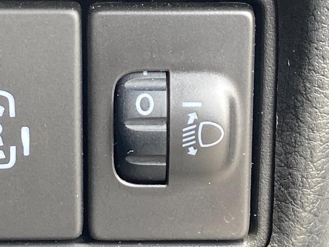 ハイブリッドX SDナビ ETC 両側電動 アイドリングストップ シートヒーター クリアランスソナー 衝突軽減 車線逸脱 バックカメラ ヘッドライトレベライザー オートライト プッシュスタート スマートキー(38枚目)