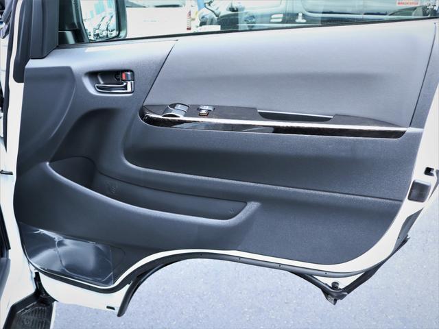 GL 重歩行フロア施工 高さ調整式ベッドキット EX16インチAW オープンカントリータイヤ 網戸 防虫ネット カロッツェリアSDナビ フルセグTV(30枚目)