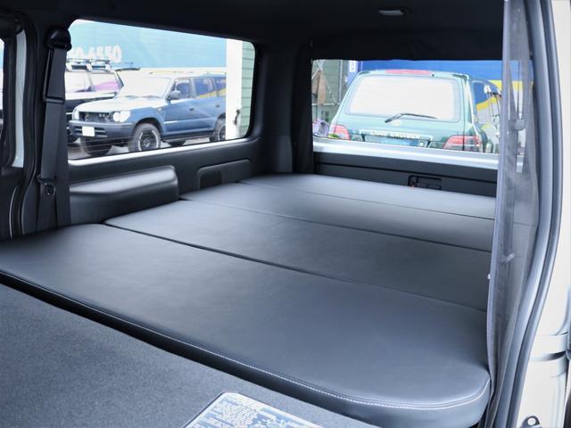 GL 重歩行フロア施工 高さ調整式ベッドキット EX16インチAW オープンカントリータイヤ 網戸 防虫ネット カロッツェリアSDナビ フルセグTV(37枚目)