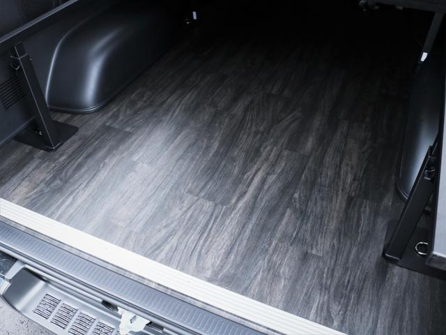 スーパーGL ダークプライムII 重歩行フロア施工 カロッツェリアSDナビ フルセグTV ビルトインETC デルフ17AW ナスカータイヤ PVM(4枚目)
