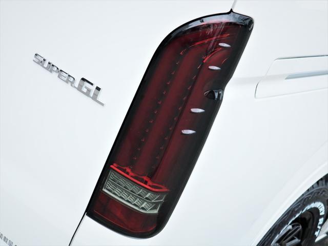 スーパーGL ダークプライムII マッドバンス16AW オープンカントリータイヤ TRDフロントエアロ カロッツェリアSDナビ フルセグTV ビルトインETC 高さ調整式ベッドキット デジタルインナーミラー(18枚目)