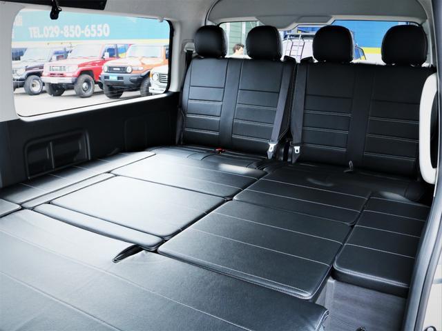 GL 内装アレンジVER2 シート変更 フローリング テーブル シートカバー SDナビ フルセグTV 後席モニター ビルトインETC デルフ17AW ナスカータイヤ LEDテール(12枚目)