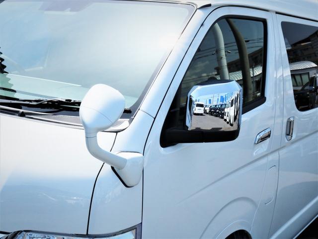 GL 内装アレンジVER2 シート変更 フローリング テーブル シートカバー SDナビ フルセグTV 後席モニター ビルトインETC デルフ17AW ナスカータイヤ LEDテール(23枚目)