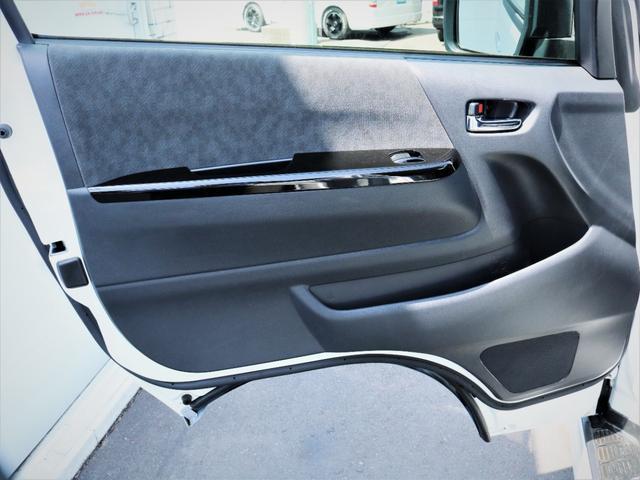 GL 内装アレンジVER2 シート変更 フローリング テーブル シートカバー SDナビ フルセグTV 後席モニター ビルトインETC デルフ17AW ナスカータイヤ LEDテール(29枚目)