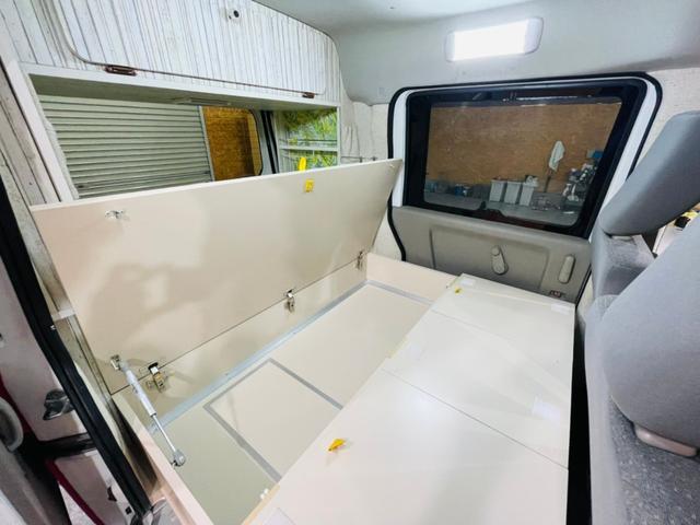 キャンピング仕様 全塗装済み 社外ナビ バックカメラ KENWOODドライブレコーダー サブバッテリー 室内テーブル 補助マット 大容量収納 外部電源 構造変更定員2名 後部座席網戸装着 ETC(38枚目)