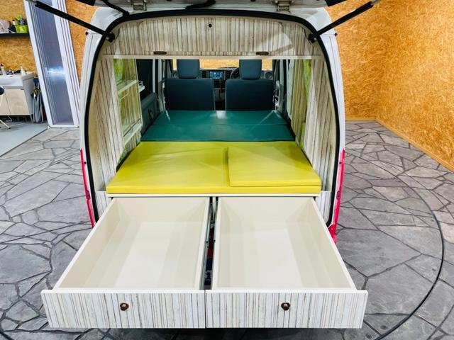 キャンピング仕様 全塗装済み 社外ナビ バックカメラ KENWOODドライブレコーダー サブバッテリー 室内テーブル 補助マット 大容量収納 外部電源 構造変更定員2名 後部座席網戸装着 ETC(53枚目)