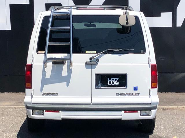 4WD 1ナンバー貨物登録 本革シート 社外15AW(8枚目)