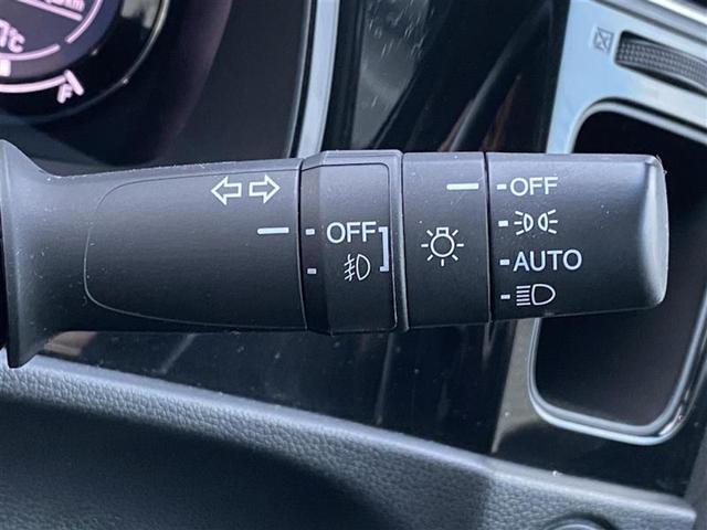 G 4WD コンフォートビューPKG 純正SDナビ バックカメラ ドライブレコーダー エンジンスターター ステアリングスイッチ Aストップ LEDヘッドライト オートライト ETC・スマートキー(9枚目)