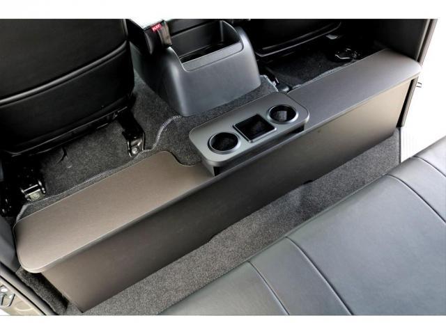 2.8 スーパーGL ロング ディーゼルターボ ディーゼル 2WD 4型 ブラック 1.5インチローダウン フロントスポイラー ウィンカーミラー 17インチアルミ ナスカータイヤ LEDテール シートカバー ベッドキット SDナビ ETC Bカメラ(16枚目)