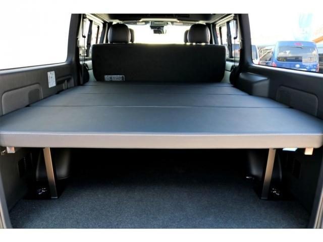 スーパーGL ダークプライムII ガゾリン 2WD 6型 ブラック フロントスポイラー オーバーフェンダー 17インチアルミ TOYO H20タイヤ LEDテール ベッドキット 8インチSDナビ ETC2.0 バックカメラ(4枚目)