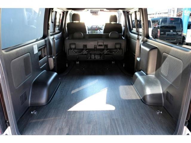 スーパーGL ダークプライムII ディーゼル 2WD 5型 パールホワイト フロントスポイラー 17インチアルミ ナスカータイヤ LEDテール フロア施工 SDナビ ETC バックカメラ LEDヘッドライト スマートキー(17枚目)