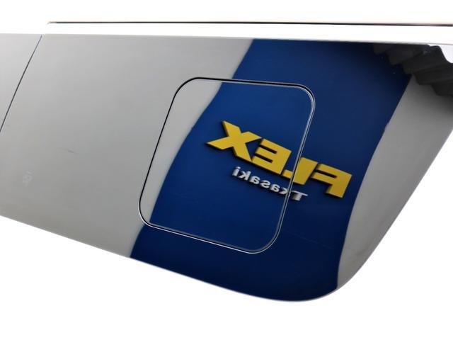 スーパーGL ダークプライムII ディーゼル 2WD 5型 パールホワイト フロントスポイラー 17インチアルミ ナスカータイヤ LEDテール フロア施工 SDナビ ETC バックカメラ LEDヘッドライト スマートキー(30枚目)