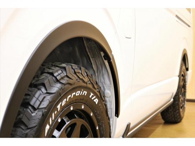 GL ガソリン 4WD 6型 パールホワイト フロントバンパーガード オーバーフェンダー 16インチアルミ オールテレーンタイヤ ベッドキット テーブルキット フロア施工 シートカバー SDナビ ETC(9枚目)