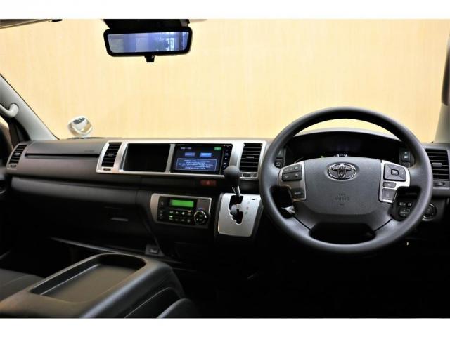 GL ガソリン 4WD 6型 パールホワイト フロントバンパーガード オーバーフェンダー 16インチアルミ オールテレーンタイヤ ベッドキット テーブルキット フロア施工 シートカバー SDナビ ETC(11枚目)