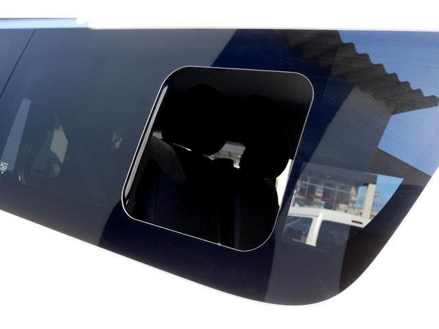 GL ガソリン 4WD 6型 パールホワイト フロントバンパーガード オーバーフェンダー 16インチアルミ オールテレーンタイヤ ベッドキット テーブルキット フロア施工 シートカバー SDナビ ETC(34枚目)
