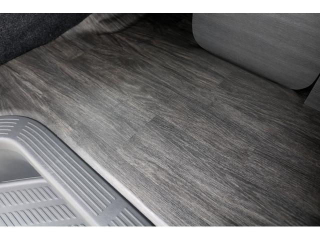 GL ガソリン 4WD 6型 パールホワイト 1.15インチローダウン フロントスポイラー オーバーフェンダー 17インチアルミ H20タイヤ LEDテール ベッド テーブル フロア施工 SDナビ ETC(41枚目)