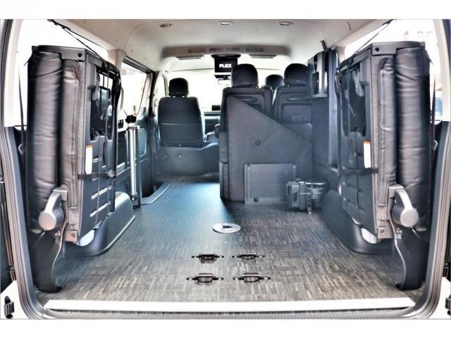 GL ロング ハイエースワゴン GL 2WD パールホワイト Ver1.5 1.5インチローダウン オーバーフェンダー 17インチアルミ LEDテール ベッド テーブル フロア施工 SDナビ ETC フリップダウン(5枚目)