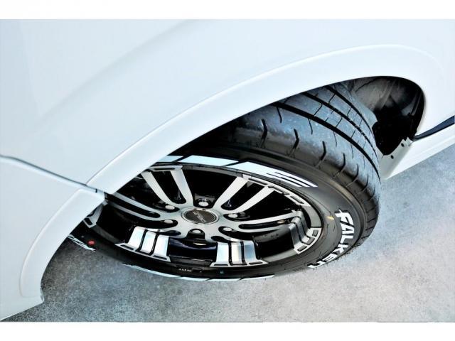 GL ロング ハイエースワゴン GL 2WD パールホワイト Ver1.5 1.5インチローダウン オーバーフェンダー 17インチアルミ LEDテール ベッド テーブル フロア施工 SDナビ ETC フリップダウン(19枚目)