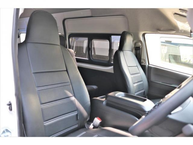 DX ワイド スーパーロング GLパッケージ ハイエースバン DX スーパーロング ディーゼルターボ 4WD 6型 パールホワイト  フロア施工 17インチアルミ オーバーフェンダー フロントスポイラー LEDテールランプ 8インチSDナビ(8枚目)
