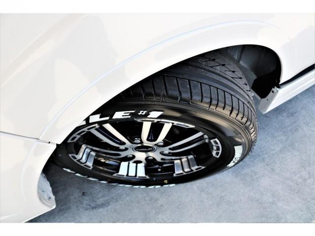 DX ワイド スーパーロング GLパッケージ ハイエースバン DX スーパーロング ディーゼルターボ 4WD 6型 パールホワイト  フロア施工 17インチアルミ オーバーフェンダー フロントスポイラー LEDテールランプ 8インチSDナビ(15枚目)