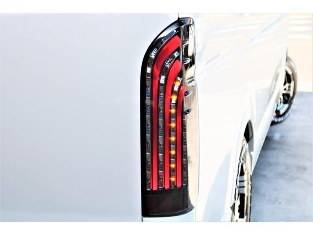 DX ワイド スーパーロング GLパッケージ ハイエースバン DX スーパーロング ディーゼルターボ 4WD 6型 パールホワイト  フロア施工 17インチアルミ オーバーフェンダー フロントスポイラー LEDテールランプ 8インチSDナビ(17枚目)