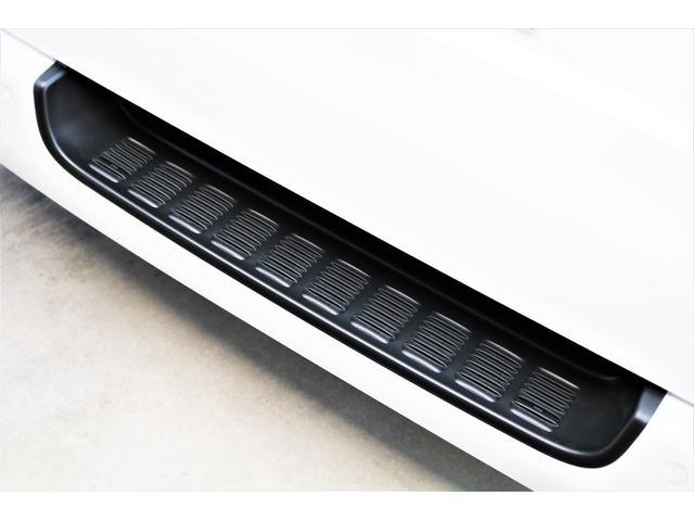 DX ワイド スーパーロング GLパッケージ ハイエースバン DX スーパーロング ディーゼルターボ 4WD 6型 パールホワイト  フロア施工 17インチアルミ オーバーフェンダー フロントスポイラー LEDテールランプ 8インチSDナビ(32枚目)