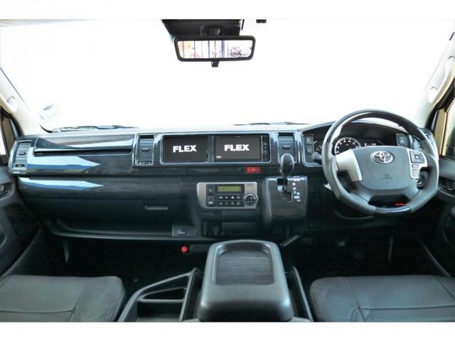 GL ロング ファインテックツアラー 4WD 寒冷地仕様 キャプテンシート トリプルモニター 1.15ローダウン 17インチAW ホワイトレターナスカータイヤ LEDテール ブラックレザー調シートカバー 黒木目インテリア(2枚目)