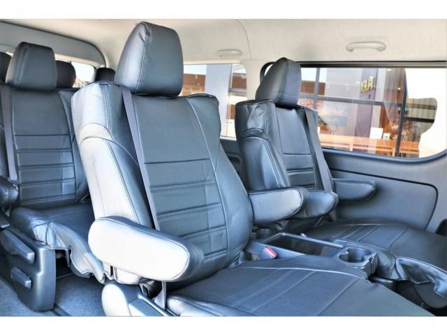 GL ロング ファインテックツアラー 4WD 寒冷地仕様 キャプテンシート トリプルモニター 1.15ローダウン 17インチAW ホワイトレターナスカータイヤ LEDテール ブラックレザー調シートカバー 黒木目インテリア(3枚目)
