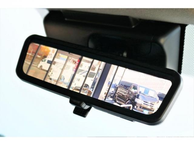 GL ロング ファインテックツアラー 4WD 寒冷地仕様 キャプテンシート トリプルモニター 1.15ローダウン 17インチAW ホワイトレターナスカータイヤ LEDテール ブラックレザー調シートカバー 黒木目インテリア(9枚目)