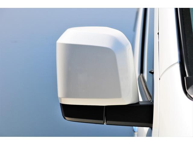GL ロング ファインテックツアラー 4WD 寒冷地仕様 キャプテンシート トリプルモニター 1.15ローダウン 17インチAW ホワイトレターナスカータイヤ LEDテール ブラックレザー調シートカバー 黒木目インテリア(22枚目)
