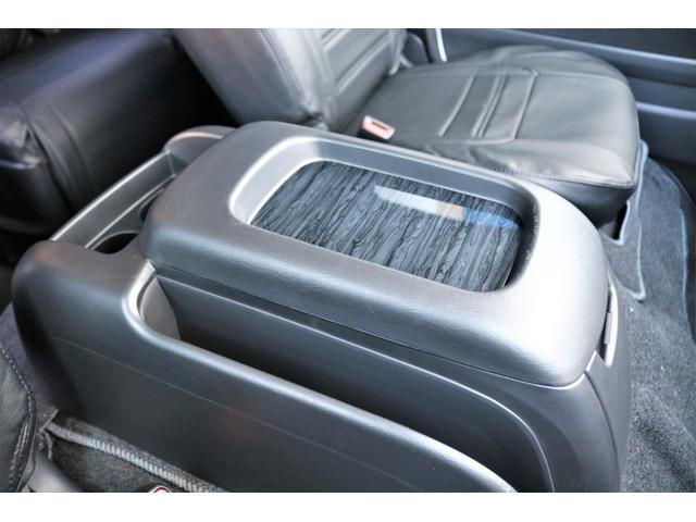 GL ロング ファインテックツアラー 4WD 寒冷地仕様 キャプテンシート トリプルモニター 1.15ローダウン 17インチAW ホワイトレターナスカータイヤ LEDテール ブラックレザー調シートカバー 黒木目インテリア(36枚目)