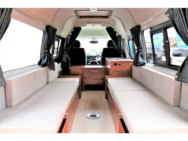 DX ロング GLパッケージ ディーゼルターボ 4WD FLEXオリジナルキャンピングNHーTYPE02 8人乗り就寝3名 サブバッテリー 走行充電 ENGEL冷蔵庫 シンク 外部電源 遮光カーテン FFヒーター(2枚目)