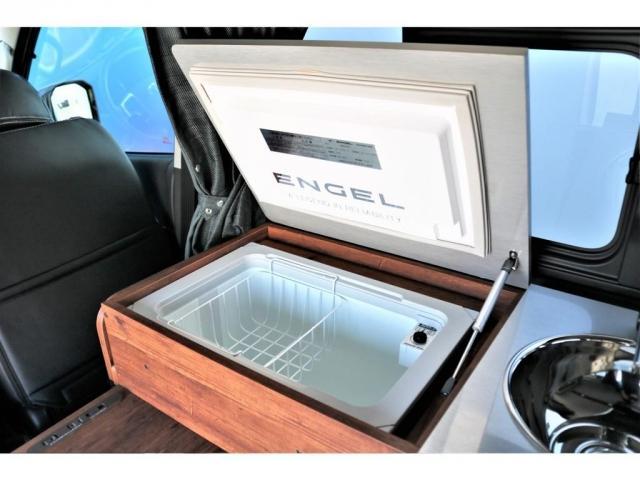 DX ロング GLパッケージ ディーゼルターボ 4WD FLEXオリジナルキャンピングNHーTYPE02 8人乗り就寝3名 サブバッテリー 走行充電 ENGEL冷蔵庫 シンク 外部電源 遮光カーテン FFヒーター(4枚目)