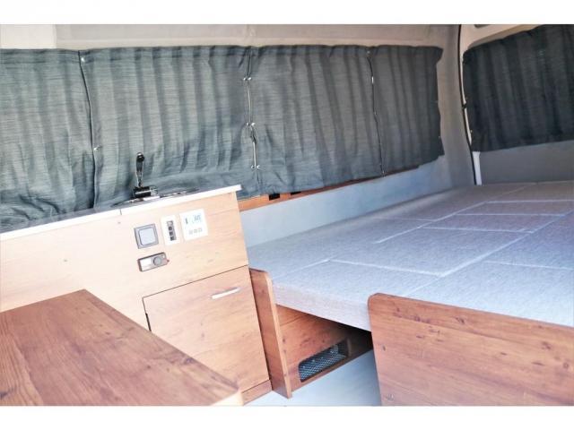 DX ロング GLパッケージ ディーゼルターボ 4WD FLEXオリジナルキャンピングNHーTYPE02 8人乗り就寝3名 サブバッテリー 走行充電 ENGEL冷蔵庫 シンク 外部電源 遮光カーテン FFヒーター(6枚目)