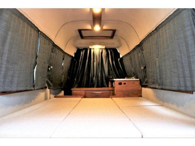DX ロング GLパッケージ ディーゼルターボ 4WD FLEXオリジナルキャンピングNHーTYPE02 8人乗り就寝3名 サブバッテリー 走行充電 ENGEL冷蔵庫 シンク 外部電源 遮光カーテン FFヒーター(7枚目)