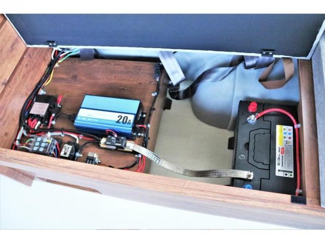 DX ロング GLパッケージ ディーゼルターボ 4WD FLEXオリジナルキャンピングNHーTYPE02 8人乗り就寝3名 サブバッテリー 走行充電 ENGEL冷蔵庫 シンク 外部電源 遮光カーテン FFヒーター(9枚目)