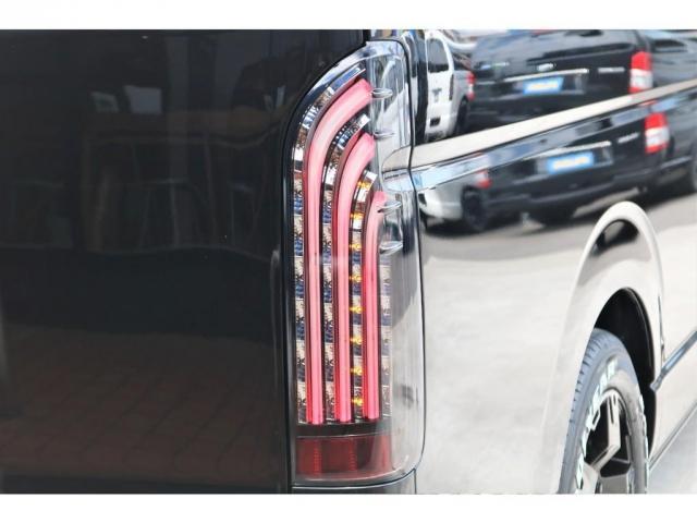 GL 5型 ブラック LEDヘッドライト フロントスポイラー 17インチAW LEDテールランプ バックカメラ ドアバイザー シートカバー ETC SDナビ(3枚目)