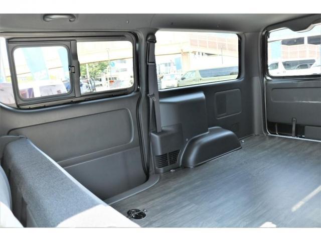 スーパーGL ダークプライムII 6型 DT 4WD ブラック MB塗装 ウィンカーミラー バンパーガード オーバーフェンダー 17AW 1.15インチローダウン LEDテール 床張施工 SDナビ フリップダウンモニター ETC(11枚目)