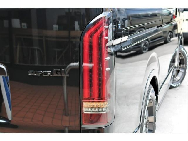 スーパーGL ダークプライムII 6型 DT 4WD ブラック MB塗装 ウィンカーミラー バンパーガード オーバーフェンダー 17AW 1.15インチローダウン LEDテール 床張施工 SDナビ フリップダウンモニター ETC(19枚目)