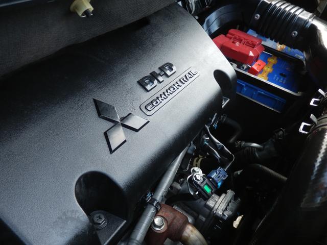 ディーラーにて定期的にオイル交換を行われていた車両です!専用オイルを使用しなかった車体はエンジンの振動も顕著に大きく、加速時にタービンの異音等が見受けられますが、当車輌はそんな心配も皆無です。